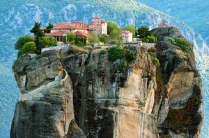 Visit Metéora's Monasteries, Greece (UNESCO site)